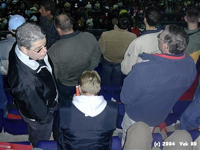 Feyenoord - Hearts 3-0 21-10-2004 (13).JPG