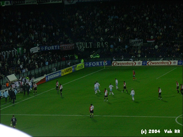 Feyenoord - Hearts 3-0 21-10-2004 (16).JPG