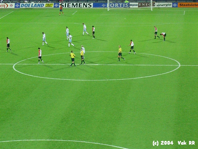 Feyenoord - Hearts 3-0 21-10-2004 (17).JPG