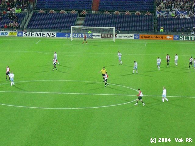 Feyenoord - Hearts 3-0 21-10-2004 (18).JPG