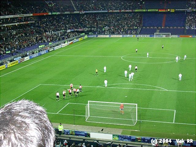 Feyenoord - Hearts 3-0 21-10-2004 (2).JPG