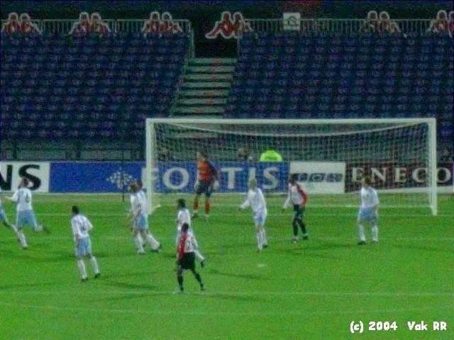 Feyenoord - Hearts 3-0 21-10-2004 (27).JPG