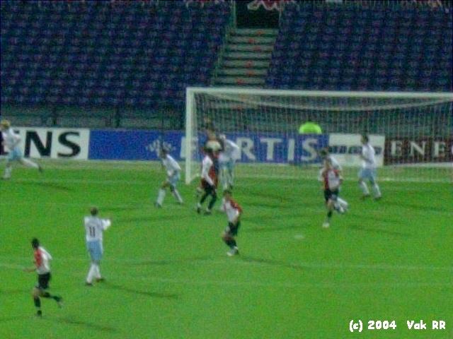 Feyenoord - Hearts 3-0 21-10-2004 (31).JPG