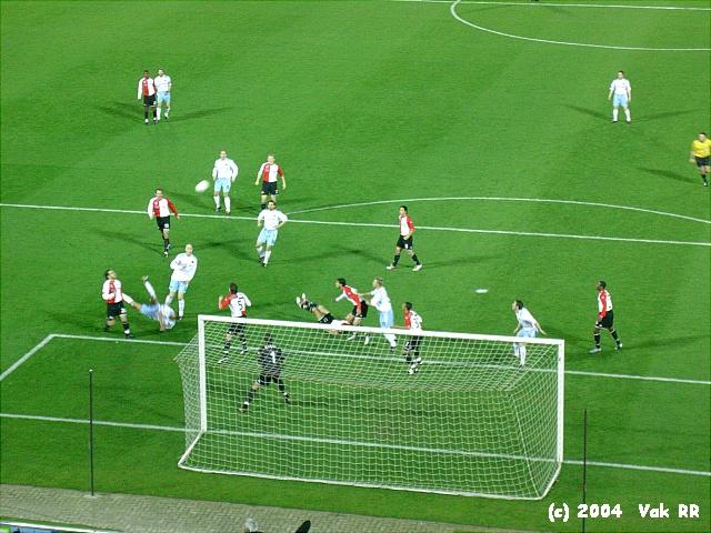 Feyenoord - Hearts 3-0 21-10-2004 (32).JPG