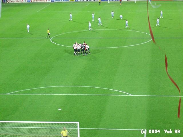 Feyenoord - Hearts 3-0 21-10-2004 (36).JPG