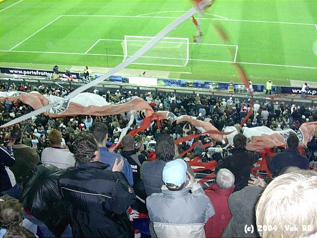 Feyenoord - Hearts 3-0 21-10-2004 (37).JPG