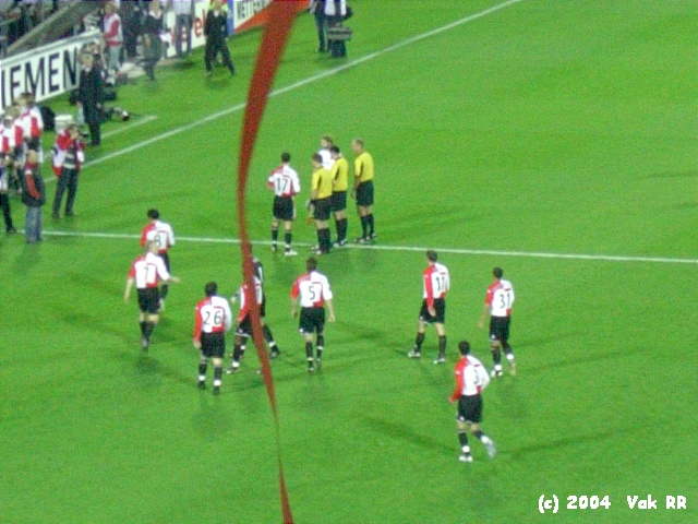 Feyenoord - Hearts 3-0 21-10-2004 (39).JPG