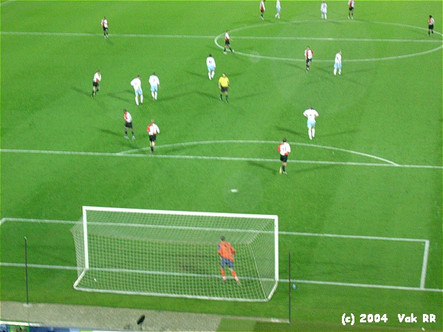 Feyenoord - Hearts 3-0 21-10-2004 (4).JPG
