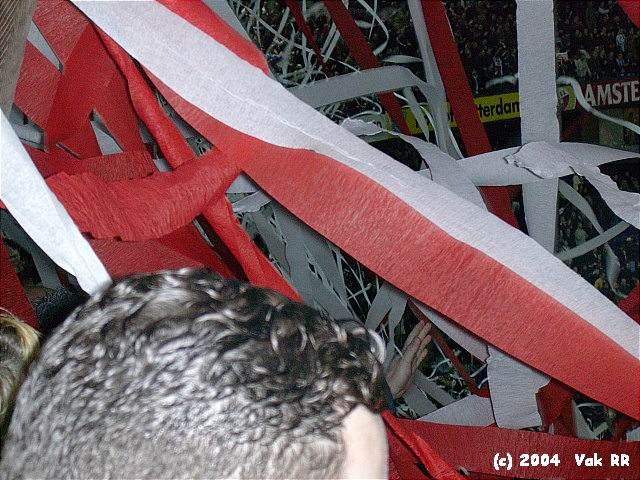 Feyenoord - Hearts 3-0 21-10-2004 (43).JPG