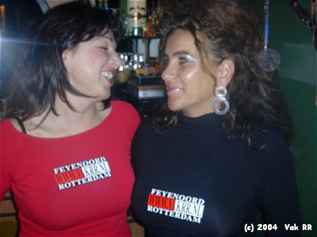 Feyenoord - Hearts 3-0 21-10-2004 (50).JPG