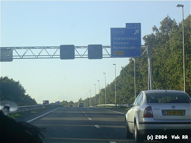 Feyenoord - Hearts 3-0 21-10-2004 (53).JPG