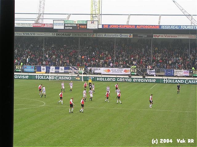 Heerenveen - Feyenoord 2-2 28-11-2004 (21).JPG