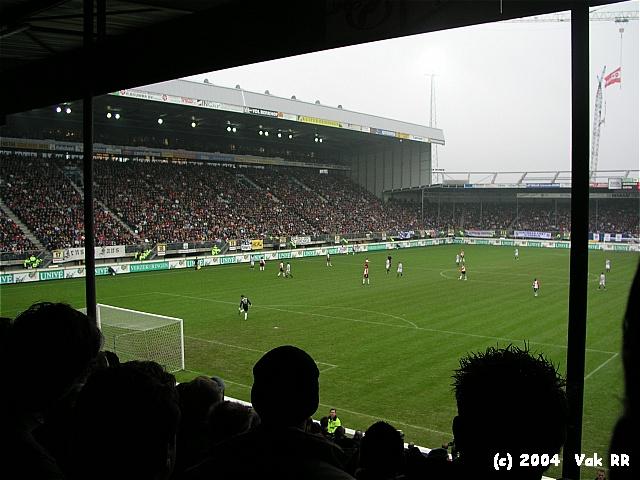Heerenveen - Feyenoord 2-2 28-11-2004 (26).JPG
