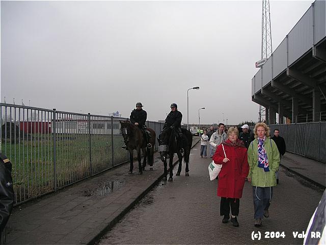 Heerenveen - Feyenoord 2-2 28-11-2004 (38).JPG