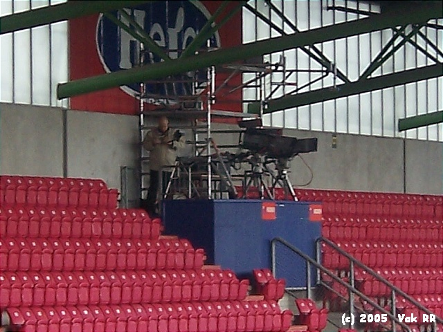 NAC Breda - Feyenoord 0-2 10-04-2005 (17).JPG