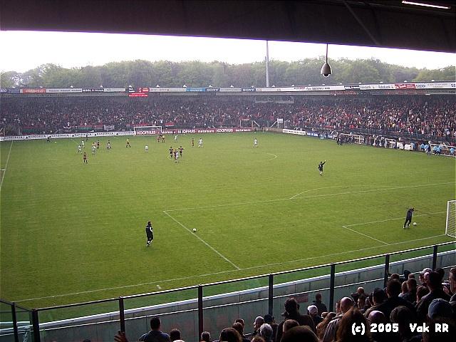 NEC - Feyenoord 2-0 08-05-2005 (1).JPG
