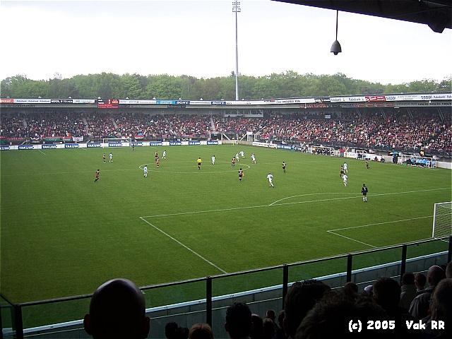 NEC - Feyenoord 2-0 08-05-2005 (10).JPG