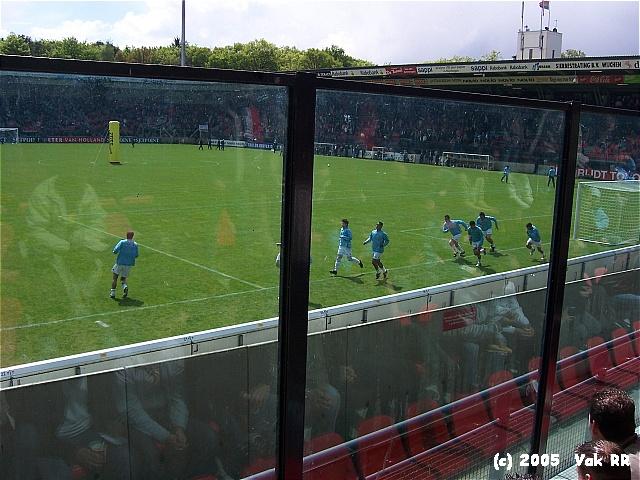 NEC - Feyenoord 2-0 08-05-2005 (33).JPG