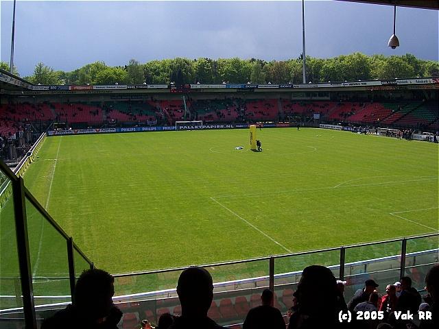 NEC - Feyenoord 2-0 08-05-2005 (40).JPG