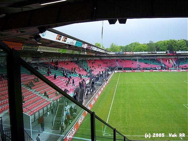 NEC - Feyenoord 2-0 08-05-2005 (43).JPG