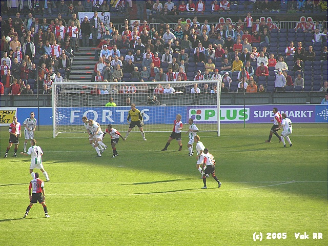 Feyenoord - FC Groningen 4-1 16-10-2005 (37).JPG
