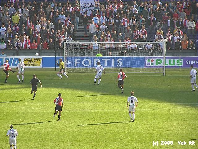 Feyenoord - FC Groningen 4-1 16-10-2005 (39).JPG
