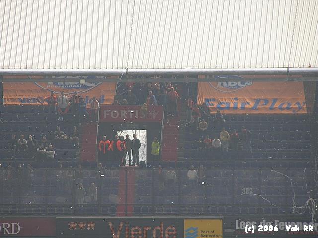 Feyenoord - RBC Roosendaal 2-0 16-04-2006 (42).JPG
