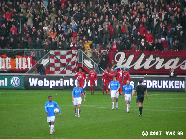 FC Twente - Feyenoord 3-0 11-02-2007 (25).JPG
