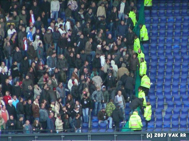 Feyenoord - 020 2-2 11-11-2007 (117).JPG