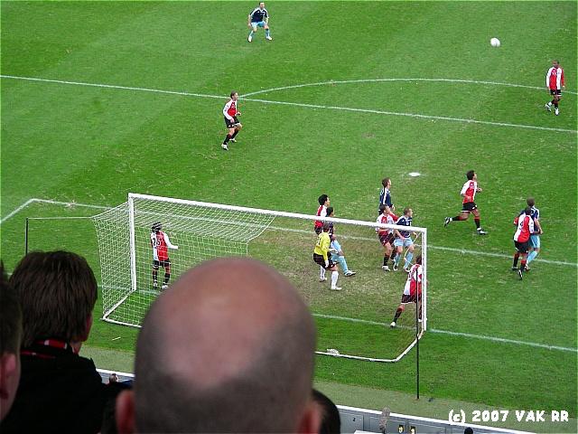 Feyenoord - 020 2-2 11-11-2007 (16).JPG