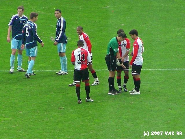Feyenoord - 020 2-2 11-11-2007 (24).JPG