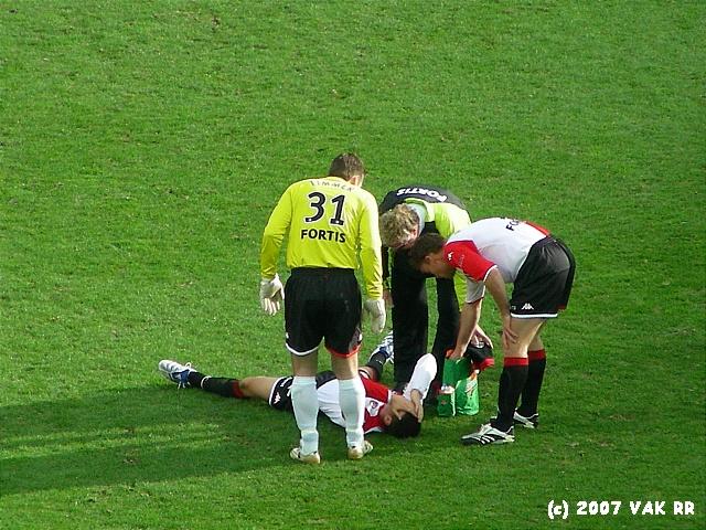 Feyenoord - 020 2-2 11-11-2007 (28).JPG