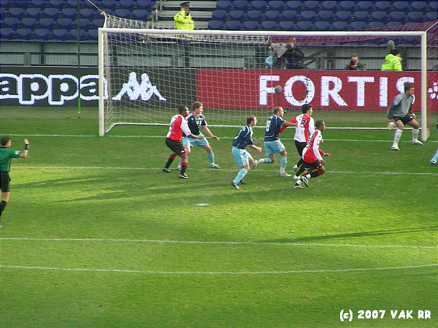 Feyenoord - 020 2-2 11-11-2007 (30).JPG