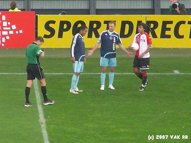 Feyenoord - 020 2-2 11-11-2007 (32).JPG