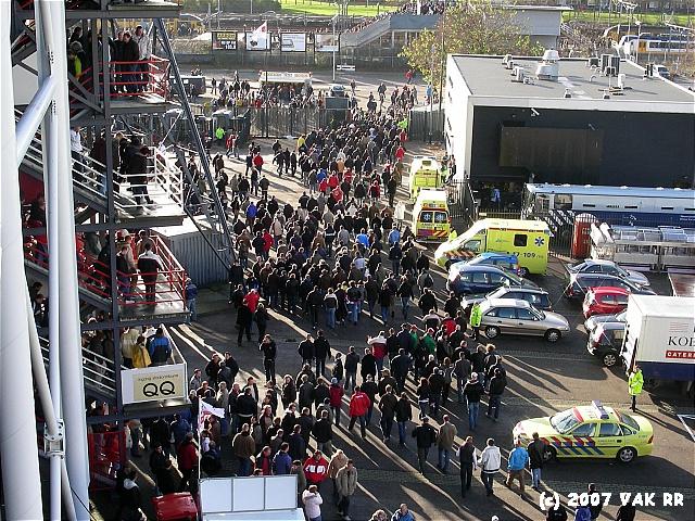 Feyenoord - 020 2-2 11-11-2007 (4).JPG