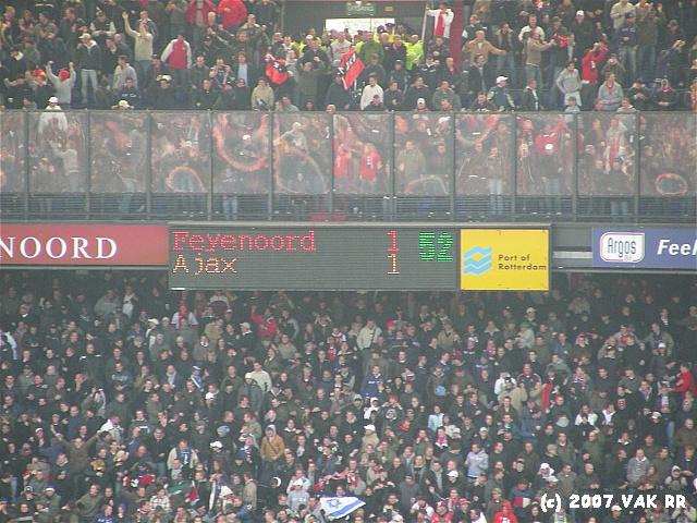 Feyenoord - 020 2-2 11-11-2007 (54).JPG