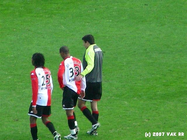 Feyenoord - 020 2-2 11-11-2007 (6).JPG