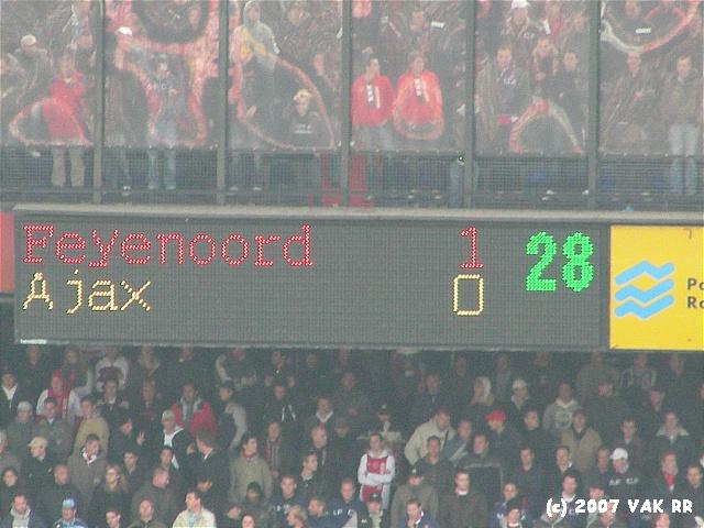 Feyenoord - 020 2-2 11-11-2007 (75).JPG