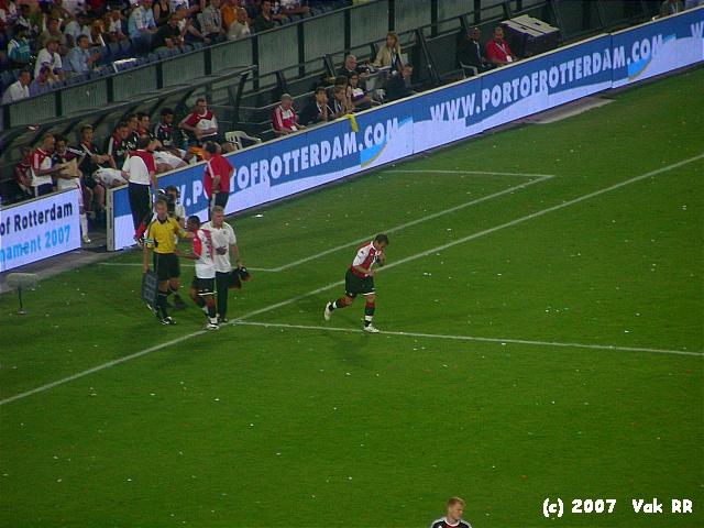 Feyenoord - Liverpool 1-1 05-08-2007 (11).JPG