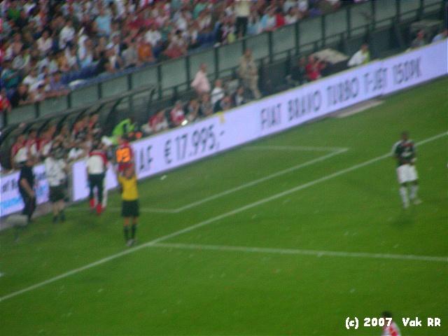Feyenoord - Liverpool 1-1 05-08-2007 (17).JPG
