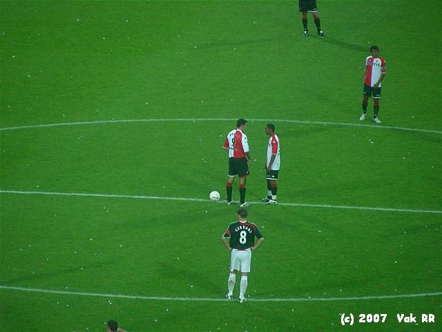 Feyenoord - Liverpool 1-1 05-08-2007 (20).JPG