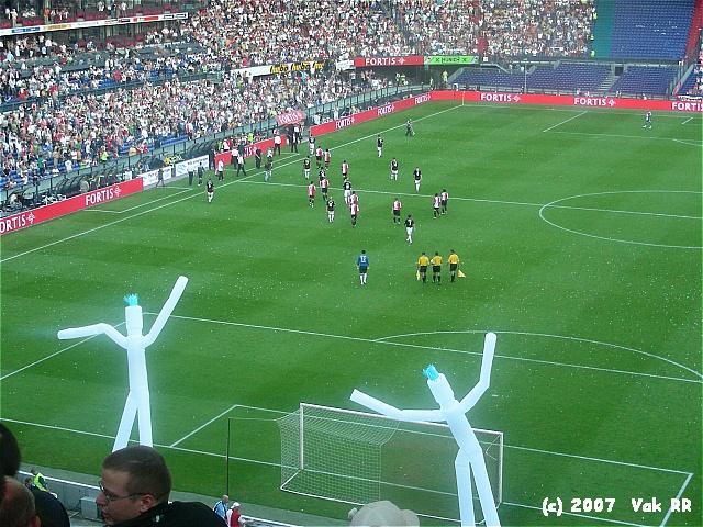 Feyenoord - Liverpool 1-1 05-08-2007 (21).JPG