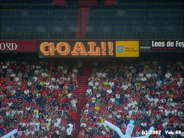 Feyenoord - Liverpool 1-1 05-08-2007 (25).JPG