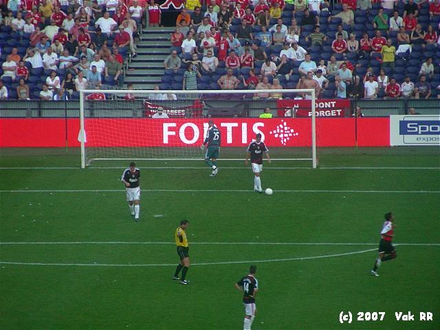 Feyenoord - Liverpool 1-1 05-08-2007 (26).JPG