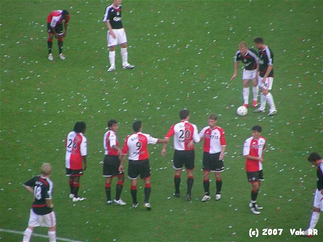 Feyenoord - Liverpool 1-1 05-08-2007 (32).JPG