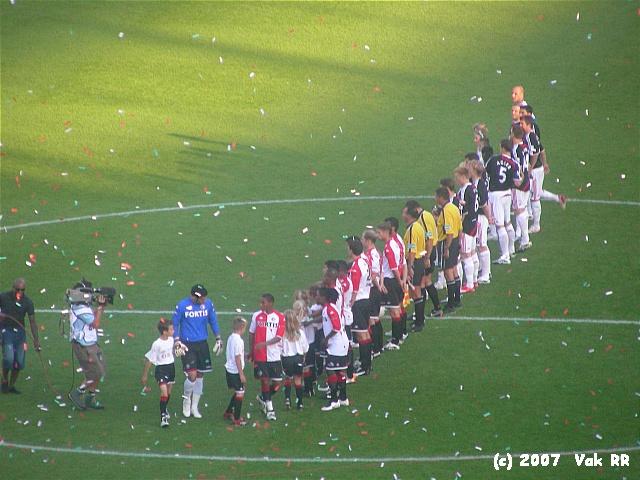 Feyenoord - Liverpool 1-1 05-08-2007 (40).JPG