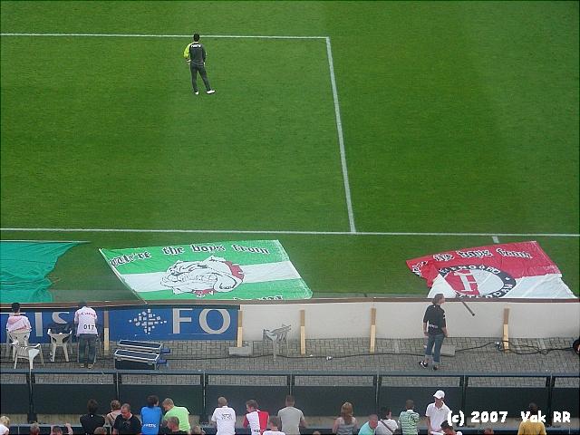 Feyenoord - Liverpool 1-1 05-08-2007 (47).JPG