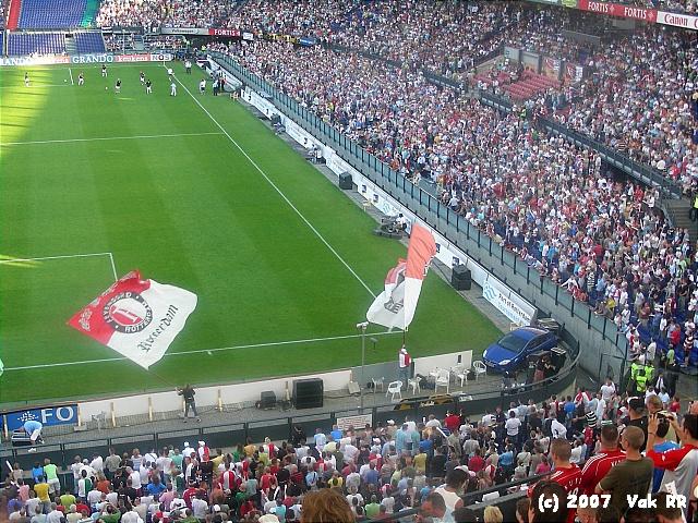 Feyenoord - Liverpool 1-1 05-08-2007 (51).JPG