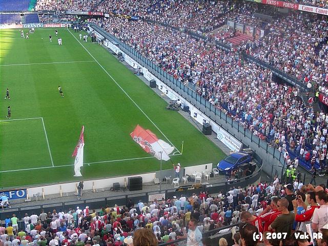 Feyenoord - Liverpool 1-1 05-08-2007 (53).JPG